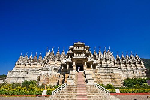 Ranakpur-Temple-Pali-Rajasthani-tadka
