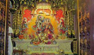 banke-bihari-temple-rajasthani-tadka