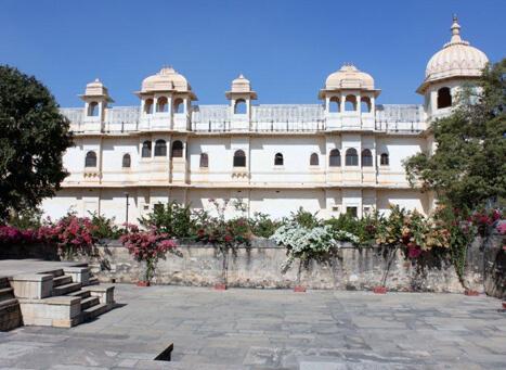 fateh-prakash-palace rajasthani-tadka